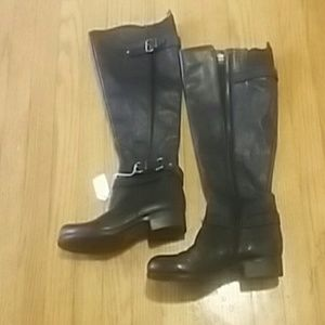NWT Naturalized soft boots.sz.7